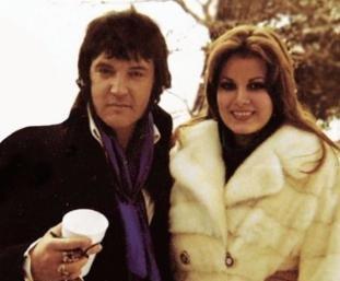 http://cdnph.upi.com/sv/em/i/UPI-8241409772018/2014/1/14097741148842/Elvis-Presleys-fiance-Ginger-Alden-details-memoir-Elvis-Ginger.jpg