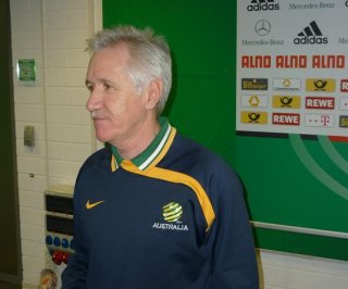 //cdnph.upi.com/sv/em/i/UPI-8741396869660/2014/1/13968712662027/Tom-Sermanni-fired-as-US-womens-national-team-coach.jpg