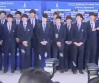 http://cdnph.upi.com/sv/em/i/UPI-9301404228947/2014/1/14042292498663/South-Korean-World-Cup-team-pelted-with-toffees-upon-return-home-after-poor-performance.jpg