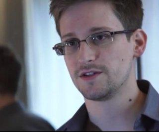 http://cdnph.upi.com/sv/em/i/UPI-93821375362466/2013/1/13708657235363/NSA-leaker-Snowden-gets-temporary-asylum-in-Russia.jpg