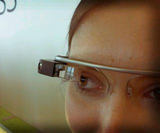 http://cdnph.upi.com/sv/em/i/UPI-9571400065767/2014/1/13797084139991/Beta-version-of-Google-Glass-now-available-in-the-US.jpg