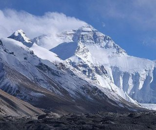 http://cdnph.upi.com/sv/em/i/UPI-9611398019263/2014/1/13939534881618/Mount-Everest-avalanche-search-likely-to-end.jpg