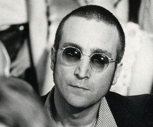http://cdnph.upi.com/sv/em/upi/UPI-2451395787915/2014/1/a418d7c4b221c97a58298e95022ec844/Cobain-Lennon-Presley-Monroe-and-Tupac-alive-on-tropical-island-Dutch-beer-ad.jpg