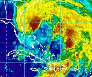 http://cdnph.upi.com/sv/em/upi/UPI-45291351348132/2012/1/39fb80d7704eedc9cee619cb8721e075/Hurricane-Sandy-threatens-US-East-Coast.jpg