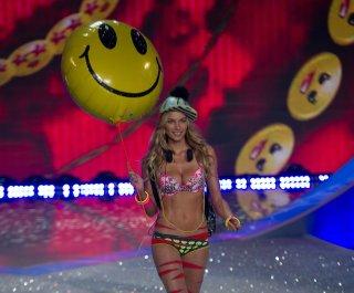 http://cdnph.upi.com/sv/em/upi/UPI-4601384709212/2013/1/fc7f4e4c21e9c4acb44d2bd70eb74407/Taylor-Swift-diss-by-Victorias-Secret-model-a-misunderstanding.jpg