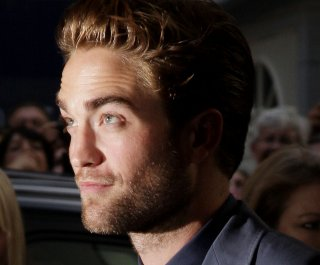 http://cdnph.upi.com/sv/em/upi/UPI-54541344957220/2012/1/44e059850fa0fd9d6d251074da2cc7fe/Rob-Pattinson-appears-on-Daily-Show.jpg