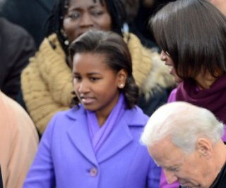 http://cdnph.upi.com/sv/em/upi/UPI-6191358799347/2013/1/0ca68058ef77aa7cf3a5e036d992b2d7/Sasha-Obama-yawn-Michelle-Obama-eye-roll-entertain-during-inaugural-festivities.jpg
