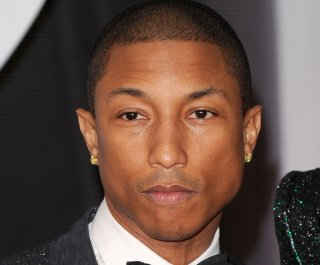 http://cdnph.upi.com/sv/em/upi/UPI-6881392943520/2014/1/82050387aaa191ad4bf08ae91970cd3d/Pharrell-Williams-on-looking-so-young-at-40-I-wash-my-face.jpg