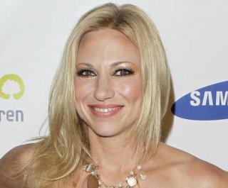 http://cdnph.upi.com/sv/em/upi/UPI-6911397941950/2014/1/4ee32e69b01d161df30209afa2cb30b7/Debbie-Gibson-has-Lyme-disease.jpg