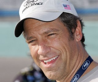http://cdnph.upi.com/sv/em/upi/UPI-7201401319319/2014/1/8989f0747110df953dfd27008e90abbb/Mike-Rowe-honors-quadruple-amputee-for-Memorial-Day.jpg