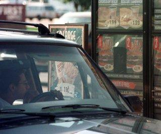 http://cdnph.upi.com/sv/em/upi/UPI-77191359394448/2013/1/2010b38f56b1c899c6d673cc7a2150b1/Funeral-procession-stops-at-Burger-King.jpg