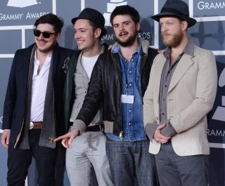 //cdnph.upi.com/sv/em/upi/UPI-8271370969401/2013/1/78bd4fee524773c2e976415c4f975c83/Mumford-and-Sons-bassist-hospitalized-for-blood-clot.jpg
