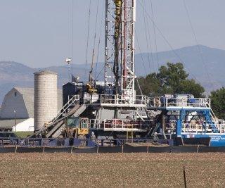 http://cdnph.upi.com/sv/em/upi/UPI-8821404909956/2014/1/d6d1f09529da41c61d4c3b512facbee6/EIA-US-oil-output-to-pass-1972-record.jpg