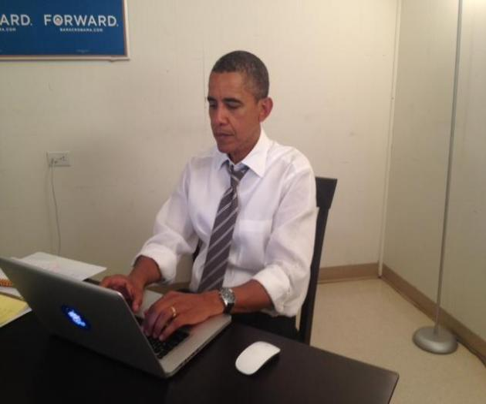 President Obama takes Reddit AMA questions, crashes Reddit