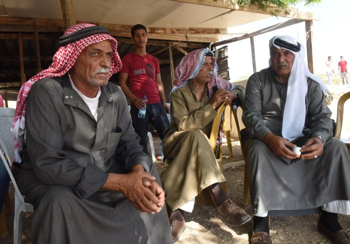 IOF begin preparations to demolish Khan Al-Ahmar Bedouin community