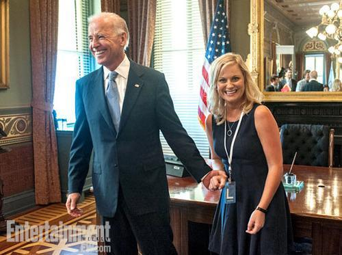 Here's a very brief glimpse of Joe Biden on 'Parks and Recreation'