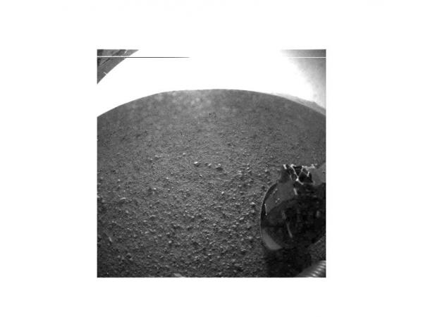 NASA Curiosity rover lands, explores Mars