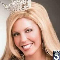 Beauty queen sues over police mistake