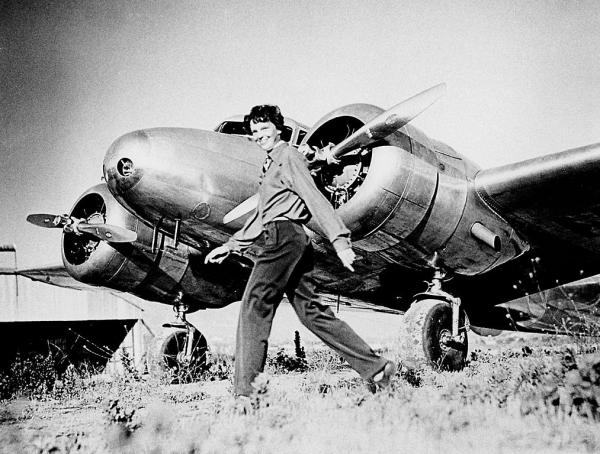 Lawsuit: Amelia Earhart's plane found in 2010, discovery concealed