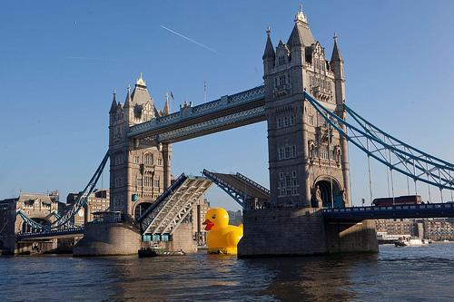 50-foot rubber duck floats down Thames