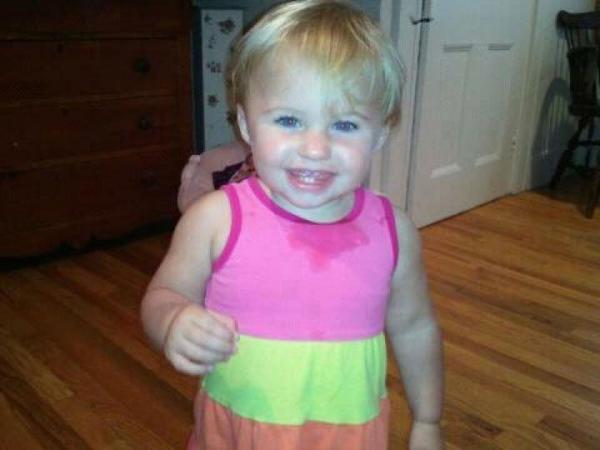 Missing toddler's mom confronts Ayla Reynold's father outside Maine courthouse