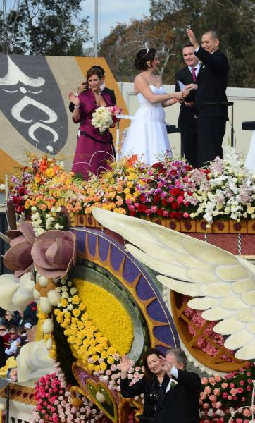 Rose Parade kicks off new year