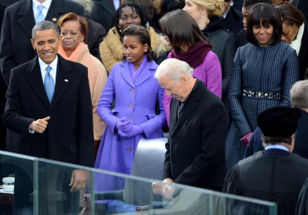 Sasha Obama yawn, Michelle Obama eye roll entertain during inaugural festivities