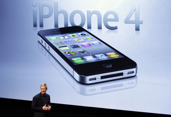 iPhone 5S arrives, bringing boosted processing, fingerprint scanner