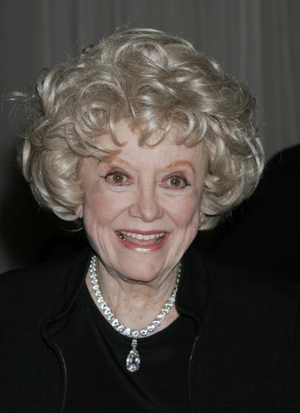Comedian Phyllis Diller dies at 95