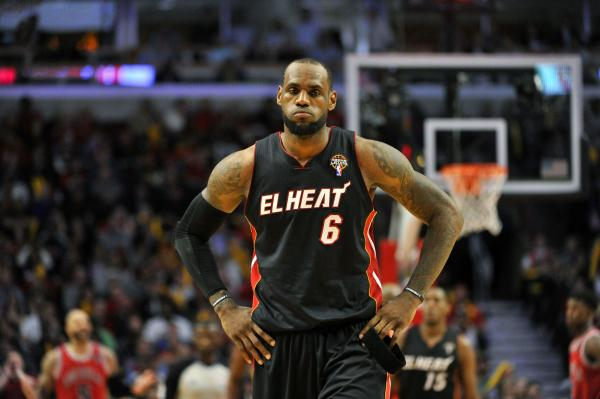 NBA: Chicago 101, Miami 97