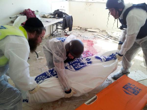Israel resumes Gaza airstrikes