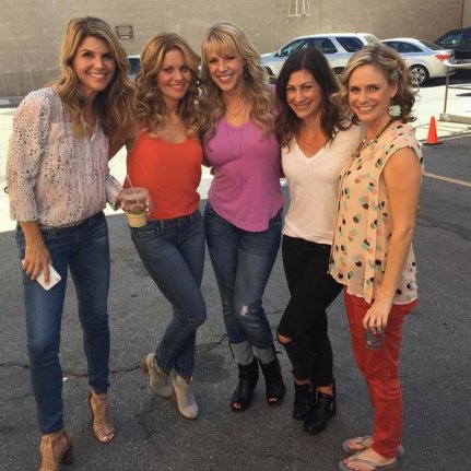 Candace Cameron Bure Husband >> Jodie Sweetin shares new photos from 'Full House' spinoff - UPI.com