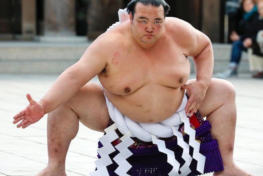 Japanese sumo champion Kisenosato to retire after losses