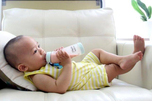 Study: Infant girls fed soy formula more often develop severe menstrual pain risk