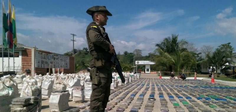 colombia seizes 8 5 tons of cocaine from clan  u00dasuga drug