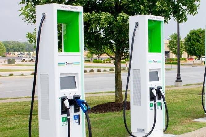 Electric Car Charging Stations Locations >> Walmart opens 120 Electrify America electric vehicle ...