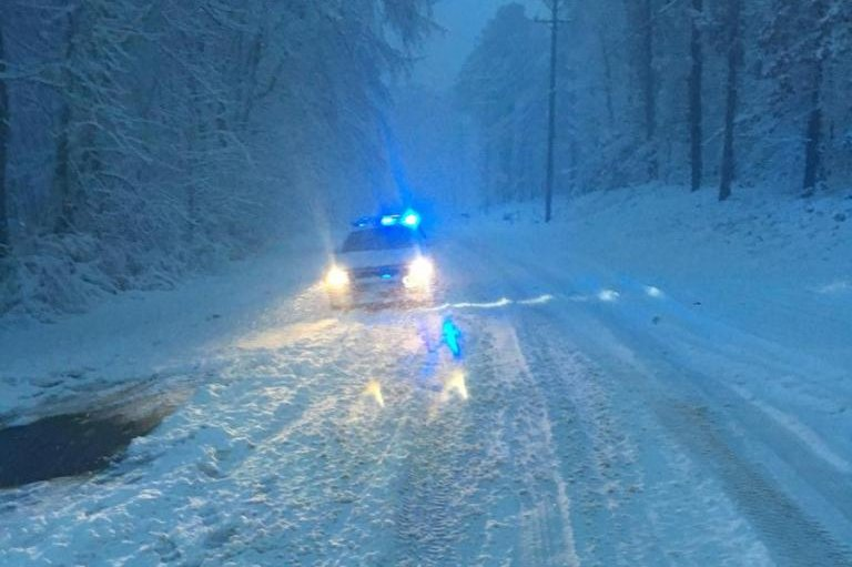 Winter storm brings heavy snow, flight cancellations to South East
