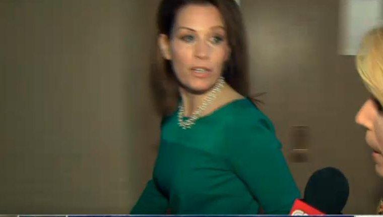 Michelle Bachmann runs away from a reporter - UPI.com