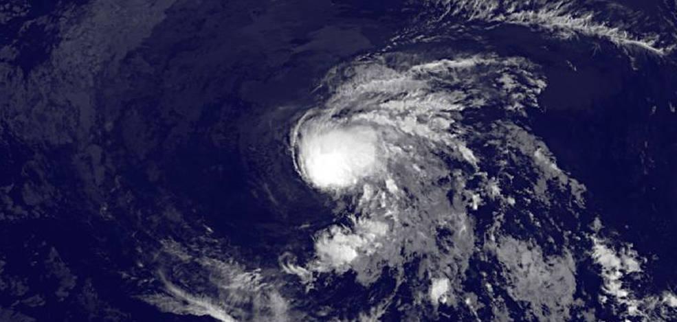 NASA sat offers bird's-eye view of Tropical Storm Enrique ...