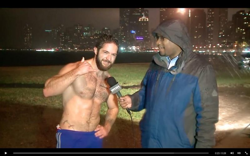 Shirtless man looking for love on Chicago News - UPI.com