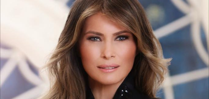 86d738e287760 newsmax.com White House releases first lady Melania Trump's official  portrait
