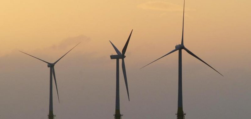 Germany gets economic lift with wind energy