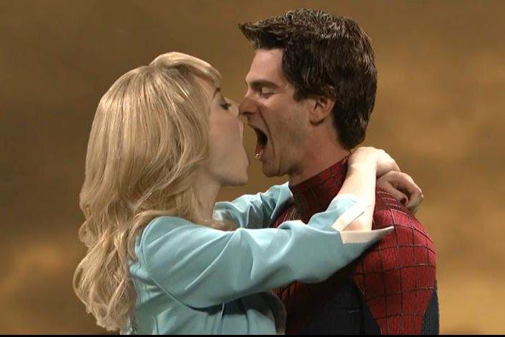 Andrew garfield and emma stone spiderman kiss