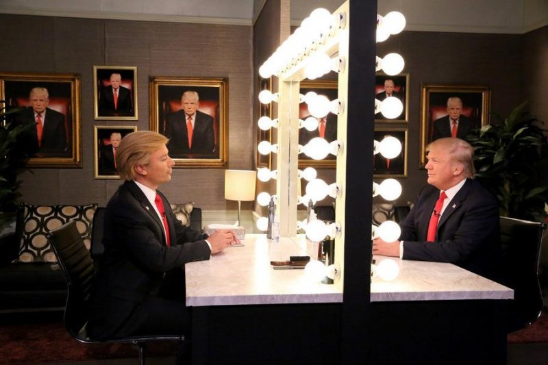 Watch Jimmy Fallon Plays Donald Trump S Mirror Reflection