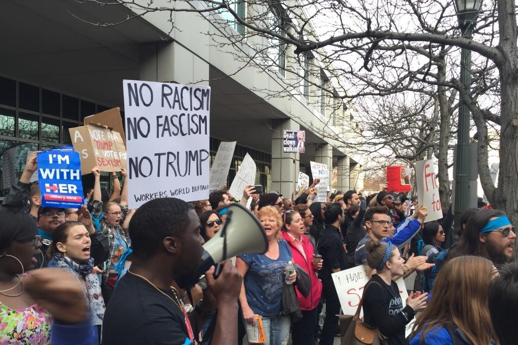 A Donald Trump rally shows America's political divide ...