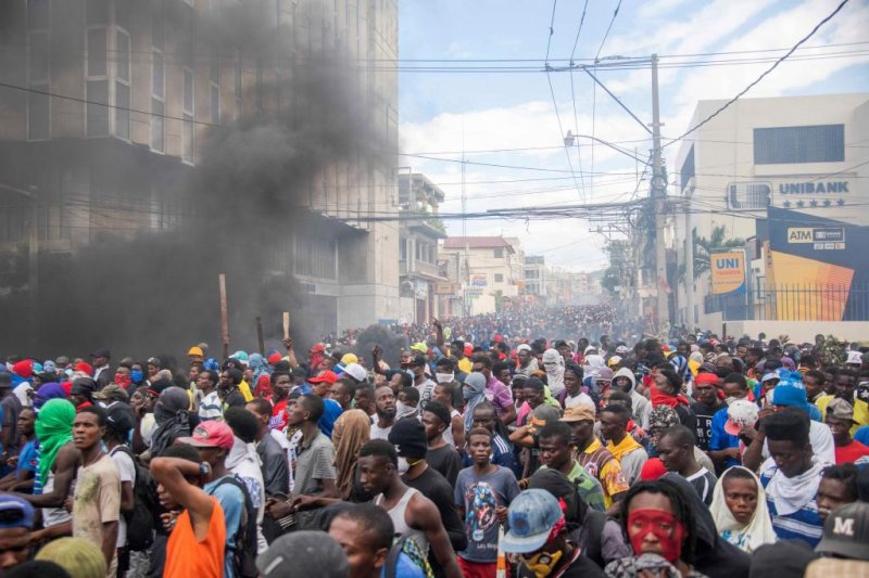 State Department Issues Haiti Travel Warning As Protests Turn Violent Upi Com