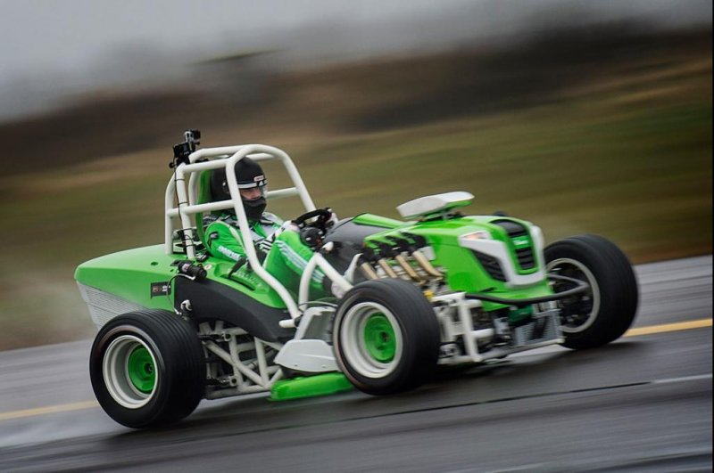 Watch Viking Lawnmower Souped Up For Speed Record Upi Com
