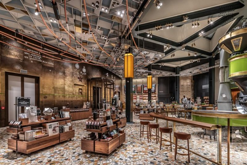 Look starbucks opens 22 000 square foot upscale location for Best coffee in milan