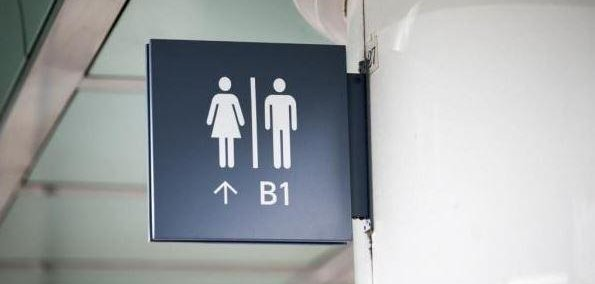 Poll americans oppose transgender 39 bathroom laws 39 like north carolina 39 s for Transgender bathroom laws by state