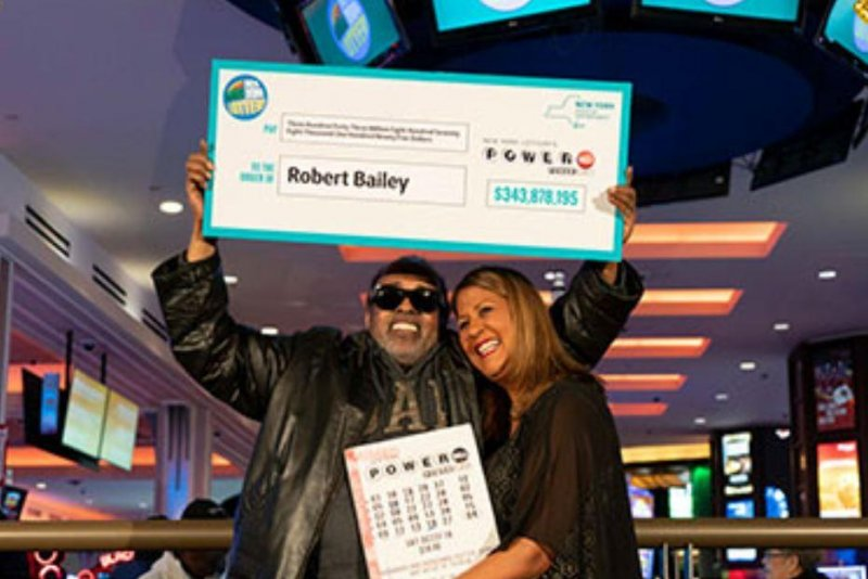 Winner of $343M in Powerball 'can't let money change me'